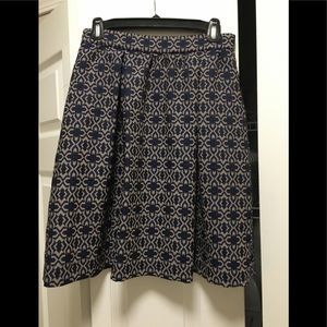 Cute waist fitted skirt with box pleats